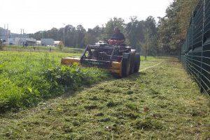 Fauchage puissant tracteur (80 cv) vigneron, broyeur frontal