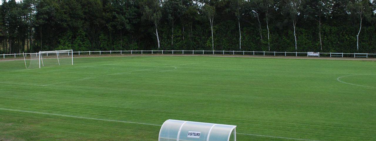 Stade de football de Saint-Jean-Brévelay